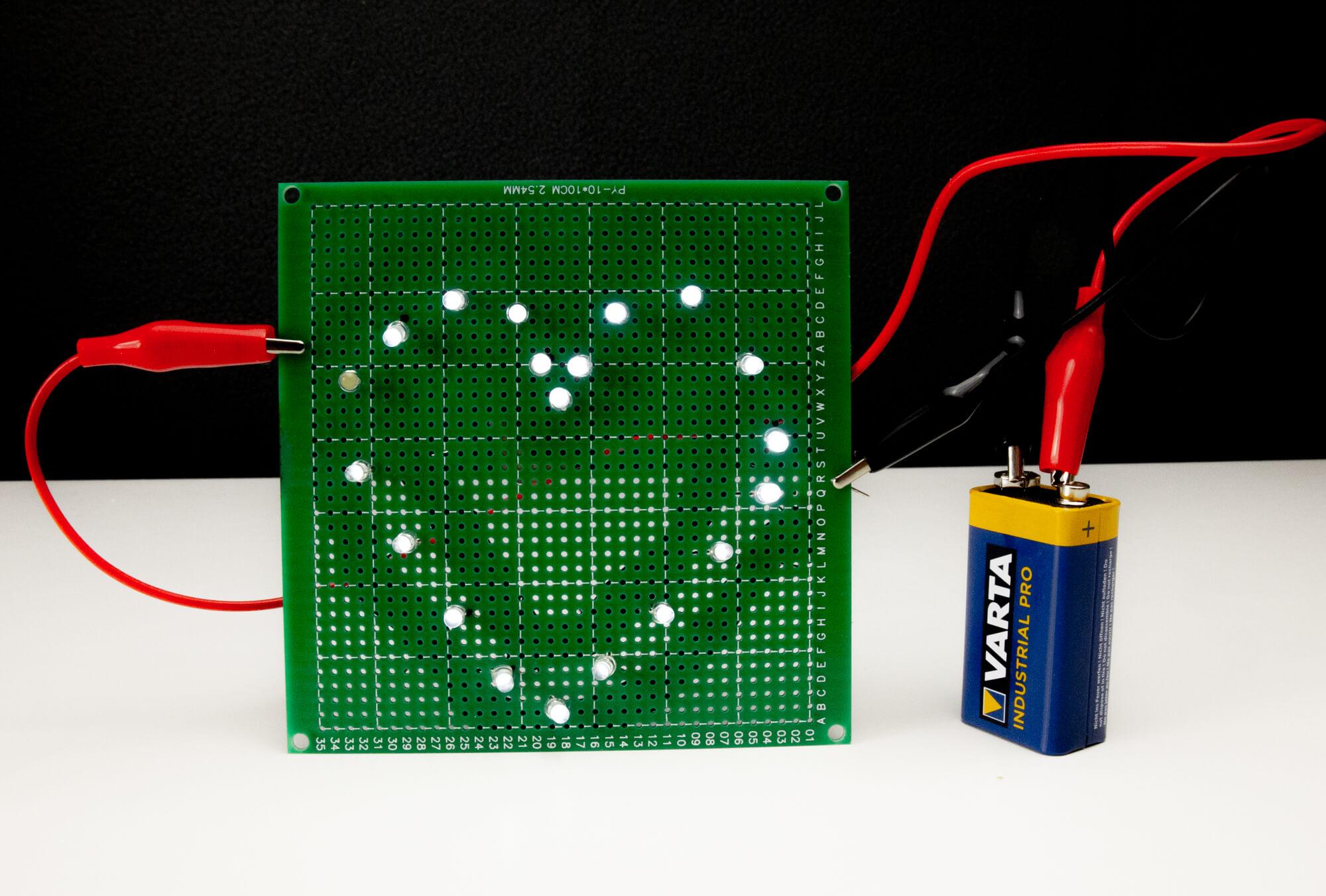 LED Herz mit leitender Knete